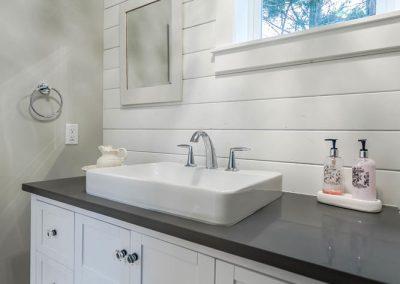 25556 60 Ave Langley Township-large-024-1-Bathroom-667x1000-72dpi
