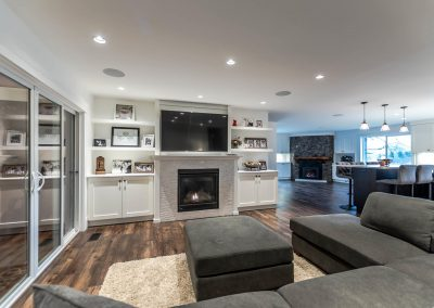 594 176 St Surrey BC V3S 9S6-large-006-12-Living Room-1500x1000-72dpi