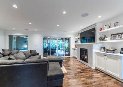 594 176 St Surrey BC V3S 9S6-large-007-5-Living Room-1500x1000-72dpi
